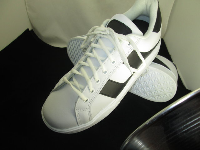 White/Black Court Shoe